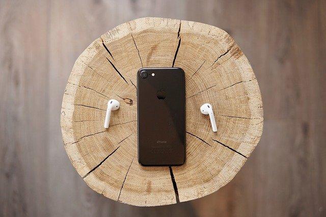 earphone and phone